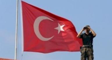 Turkish corruption prosecutors flee after arrest warrants issued