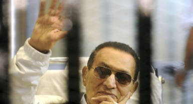 Egypt's Mubarak remains locked up on corruption charges despite court order to release him
