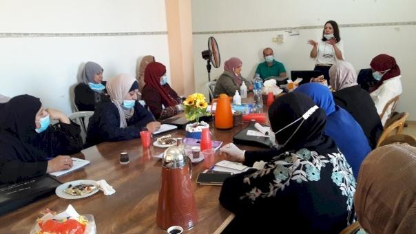 (أمان) و(مفتاح) يعقدان لقاءً توعوياً لمجموعة من النساء حول نظم المساءلة ومفاهيم النزاهة ومكافحة الفساد في طولكرم