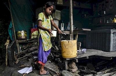 """البنك الدولي: الفساد """"العدو الأول للشعب"""" بالبلدان النامية"""