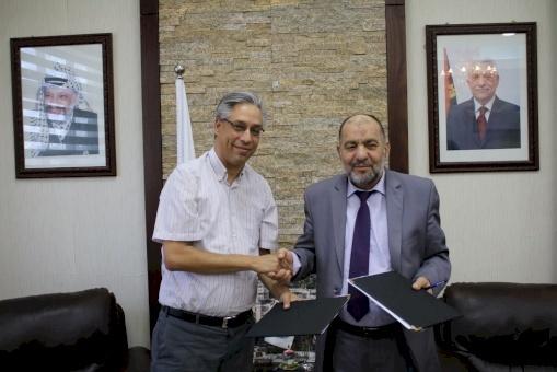 ائتلاف أمان وبلدية الخليل يوقعان اتفاقية تعاون لتعزيز النزاهة والشفافية في عمل البلدية