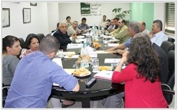 أمان تدعو الجهات الرسمية لبلورة سياسة وطنية حول منح التصاريح الى مناطق الـ 48