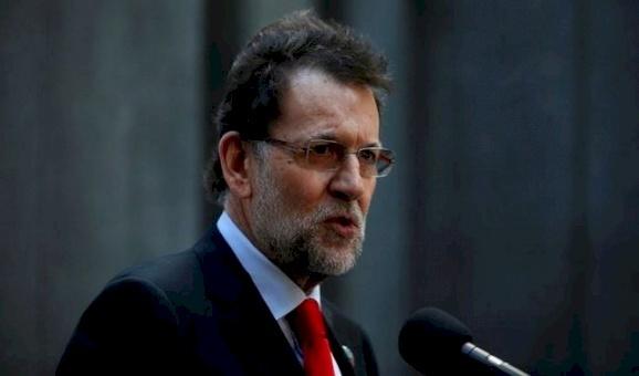 شرطة إسبانيا تفتش مقر الحزب الحاكم عقب اتهام رئيس الوزراء بتلقي رشوة